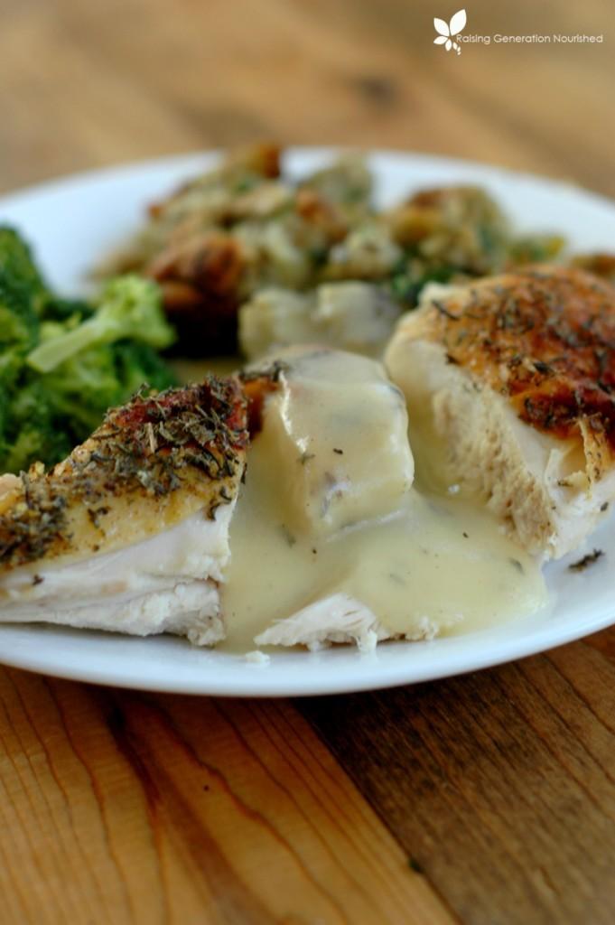 5 Minute Bone Broth Gravy :: Gluten & Grain Free Options!