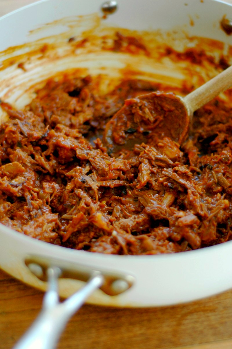 7 Minute BBQ Shredded Beef Made From Leftover Beef Roast :: Turn those roast beef leftovers into delicious, juicy BBQ shredded beef sandwiches in just minutes!