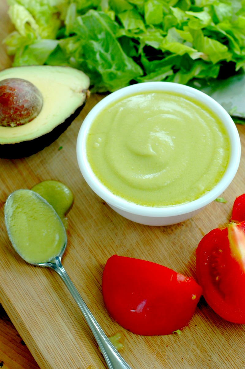 Paleo Avocado & Bacon Salad Dressing :: Nourishing friendly fats, a big amazing flavor, and prepped in just 5 minutes! Your lunchtime salad has never been faster, healthier, or tastier!