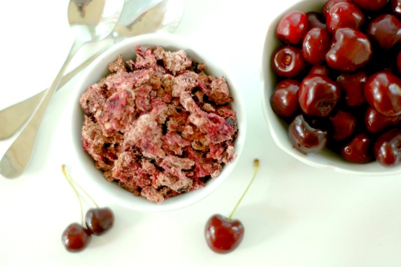 Nourishing Cherry Granola :: Gluten & Refined Sugar Free With Grain Free Option :: Cherry granola makes the perfect hot summer morning breakfast to cool down with, and a delicious nourishing snack for on the go!