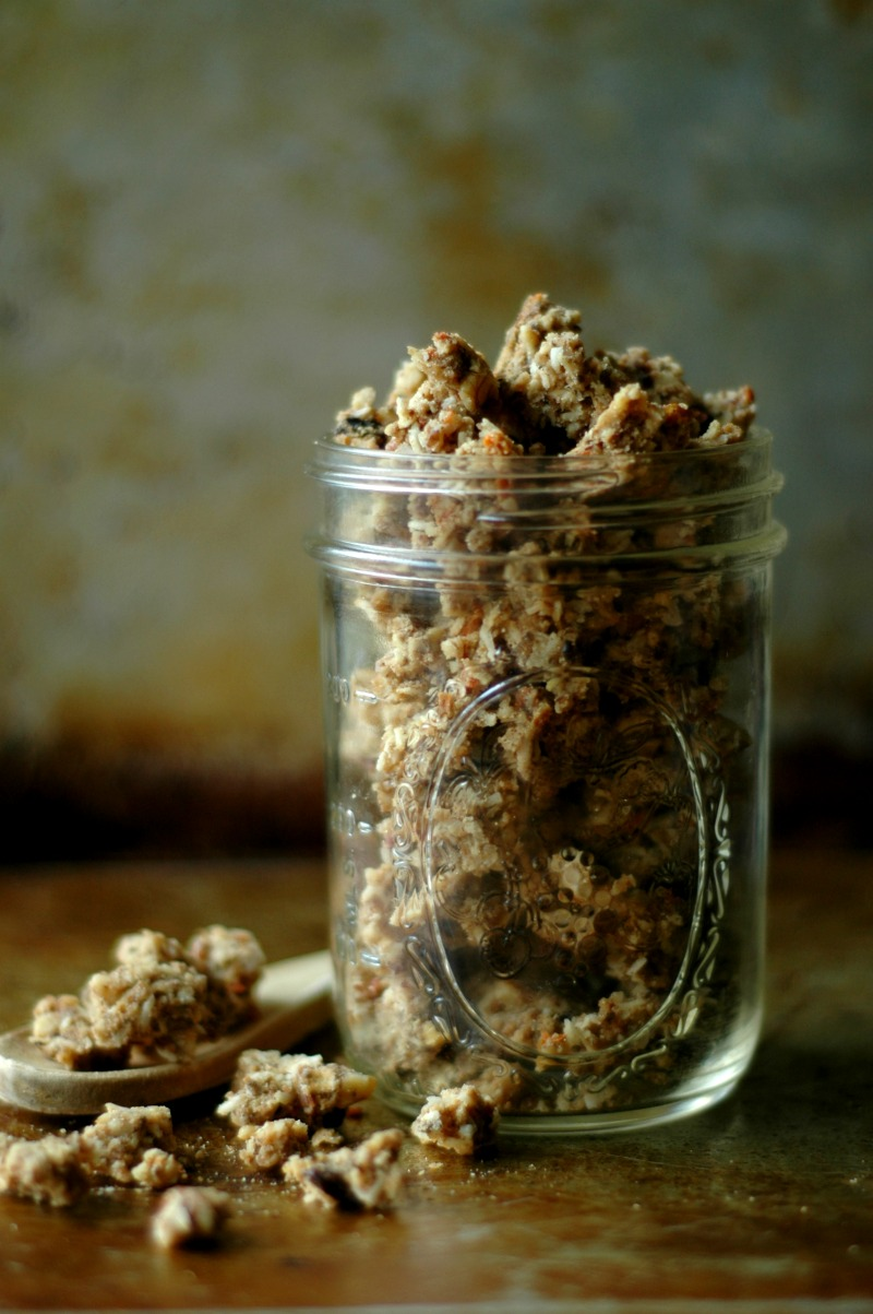 Gluten Free Morning Glory Granola :: Paleo Friendly & Refined Sugar Free!