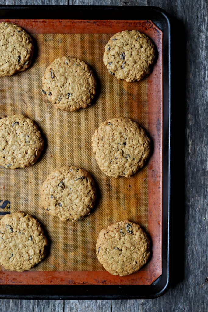 Gluten Free Oatmeal Raisin Cookies :: Gluten Free, Dairy Free, and Nut Free